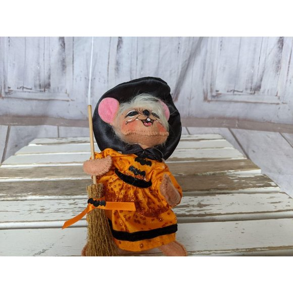 Annalee Other - Vintage Annalee Witch Mouse W/ Broom 2011 Orange D